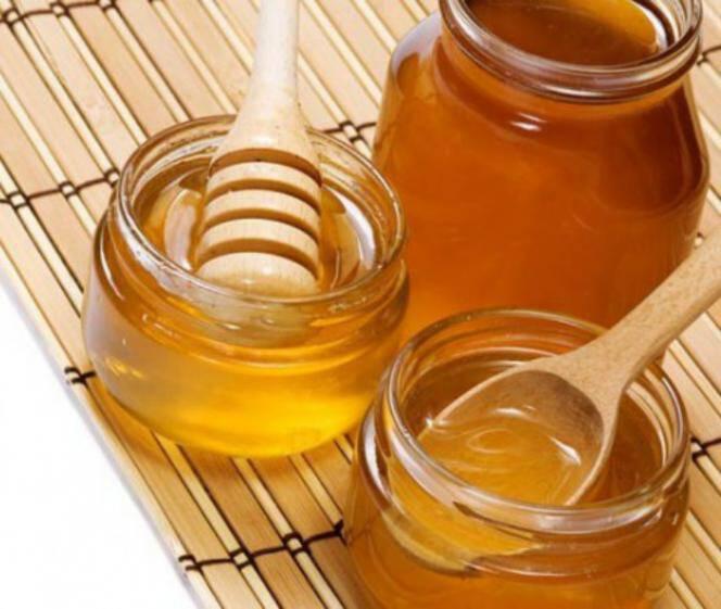 12 ασυνήθιστοι αλλά θεραπευτικοί τρόποι για να χρησιμοποιείτε το μέλι