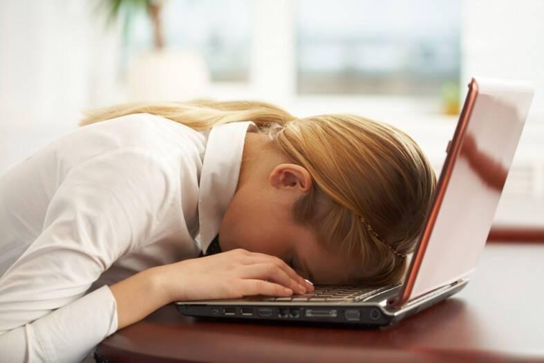 Εάν Αισθάνεστε Έντονη Κόπωση, Δοκιμάστε Αυτές Τις 7 Φυσικές Θεραπείες